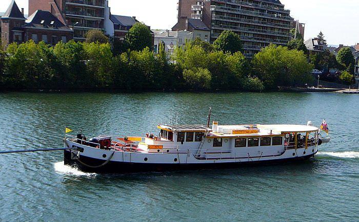 Boot huren Maastricht. Motorboot Miró