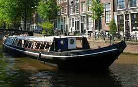 Boot huren Amsterdam. Rondvaartboot Hildebrand