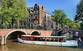 Boot huren Amsterdam. Salonboot IRIS