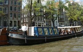 Boot huren Amsterdam. Rondvaartboot Jacob van Lennep