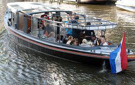 Boot huren Amsterdam. Rondvaartboot Johanna
