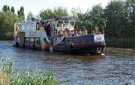 Boot huren Aalsmeer. Partyboot Het Partyschip