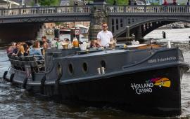 Boot huren Amsterdam. Rondvaartboot Grand Marnier HMS Friendship