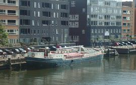 Boot huren Rotterdam. Woonboot Boot VII