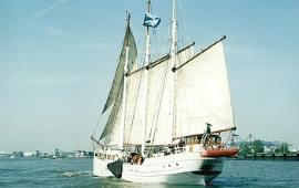 Boot mieten Rotterdam. Schoner Amazone