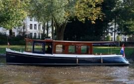 Boot huren Amsterdam. Salonboot Elisabeth