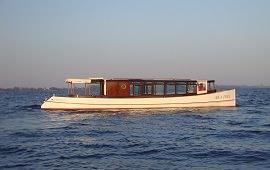 Boot huren Amsterdam. Salonboot Emma