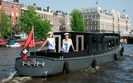 Boot huren Amsterdam. Salonboot Her Royal Highness