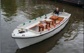 Boot mieten Amsterdam. Schaluppe Hugo