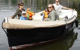 Boot mieten Leiden. Schaluppe Huursloep Leiden