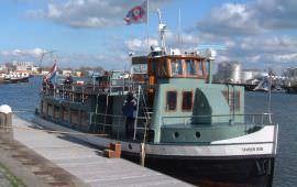 Boot huren Amsterdam. Rondvaartboot IJveer XIII