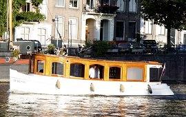 Boot huren Amsterdam. Salonboot Ivresse