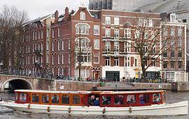 Boot huren Amsterdam. Salonboot Jean Schmitz