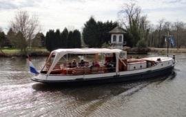 Boot huren Oud-Loosdrecht. Salonboot Kaliwaal