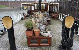 Boot huren Rotterdam. Woonboot Logeerboot Rotterdam