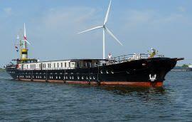Boot huren Amsterdam. Motorboot Magnifique