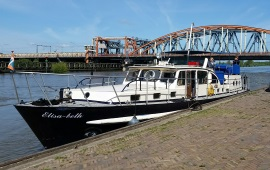 Boot huren Zutphen. Motorboot Elisabeth