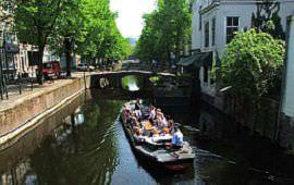 Boot huren Den Haag. Rondvaartboot Ooievaart