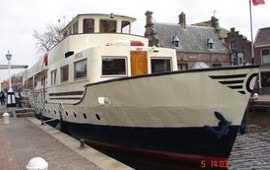 Boat rental Amsterdam. Houseboat Orca