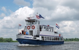 Boot huren Sint Annaland. Partyboot Frisia 2