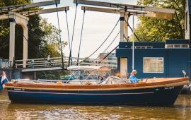 Boot huren Amsterdam. Sloep Pure Spirit
