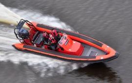 Boot huren Lelystad. Speedboot Tornado RIB 225 pk