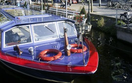 Boot huren Amsterdam. Partyboot Blue