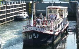 Boat rental Heusden. Partyship Wiljo
