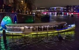 Boot mieten Amsterdam. Salonboot Avanti