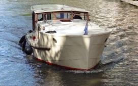 Boat rental Amsterdam. Saloon boat Britannia