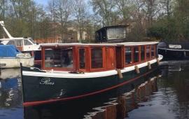 Boot huren Amsterdam. Salonboot Roos