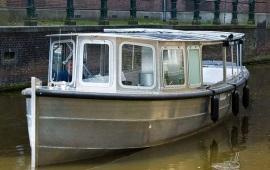 Boot huren Amsterdam. Salonboot Suzanne
