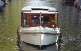 Boot huren Amsterdam. Salonboot Valerie