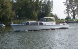 Boat rental Loosdrecht. Motor ship MS Labora