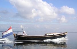 Boot mieten Amsterdam. Schaluppe Jan van Gent II