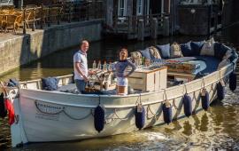 Boot huren Amsterdam. Sloep Damrak Gin HAL