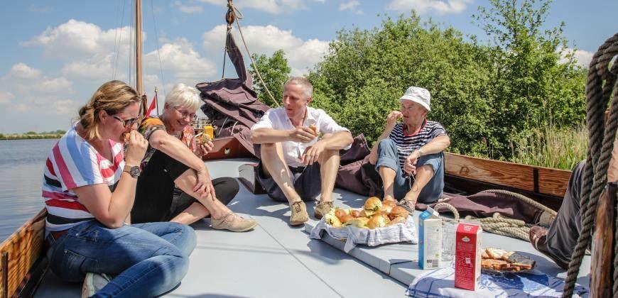 Skûtsje huren Friesland Twee Gebroeders