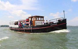 Boot huren Amsterdam. Salonboot Succes