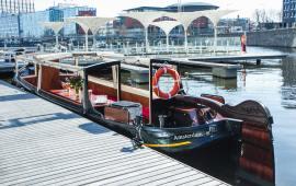Boot huren Amsterdam. Motorboot Theo Kok