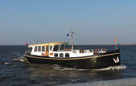 Boot huren Koudum. Motorboot Trijntje