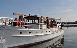 Boot huren Amsterdam. Salonboot Viking