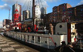 Boot huren Rotterdam. Woonboot Visithor