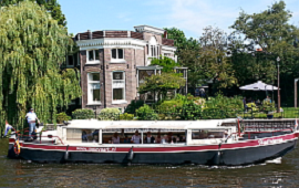Boot huren Den Haag. Rondvaartboot Vlietvaart