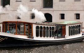 Boot huren Amsterdam. Salonboot Wolk