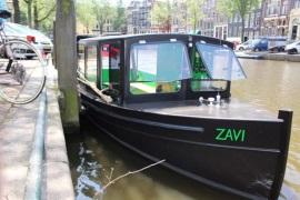 Boot huren Amsterdam. Salonboot Zovia